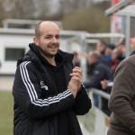 Dietkirchens Trainer Florian Dempewolf freut sich über das 0:2 (Foto: Michael Hahn)