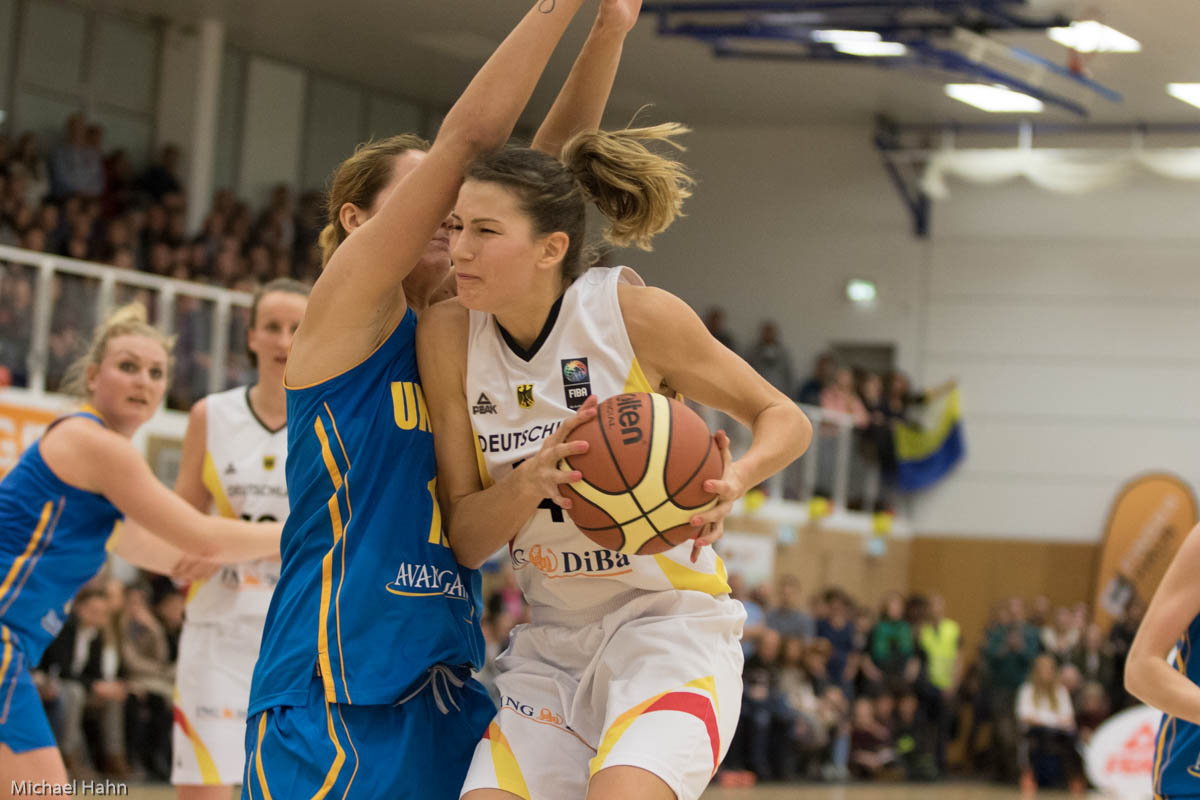 Sonja Greinacher (DEU, re) gegen Olesia Malashenko (UKR)(Foto: Michael Hahn)