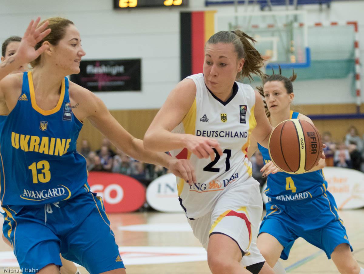 Svenja Brunckhorst (DEU, re) gegen Olesia Malashenko (UKR)(Foto: Michael Hahn)
